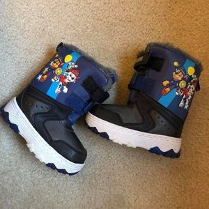 Paw Patrol toddler Snow Boots 7/8 medium